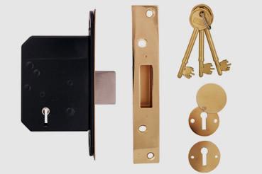 Deadlock Installation by West Kensington master locksmith