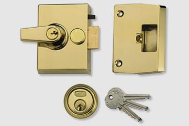 Nightlatch installation by West Kensington master locksmith